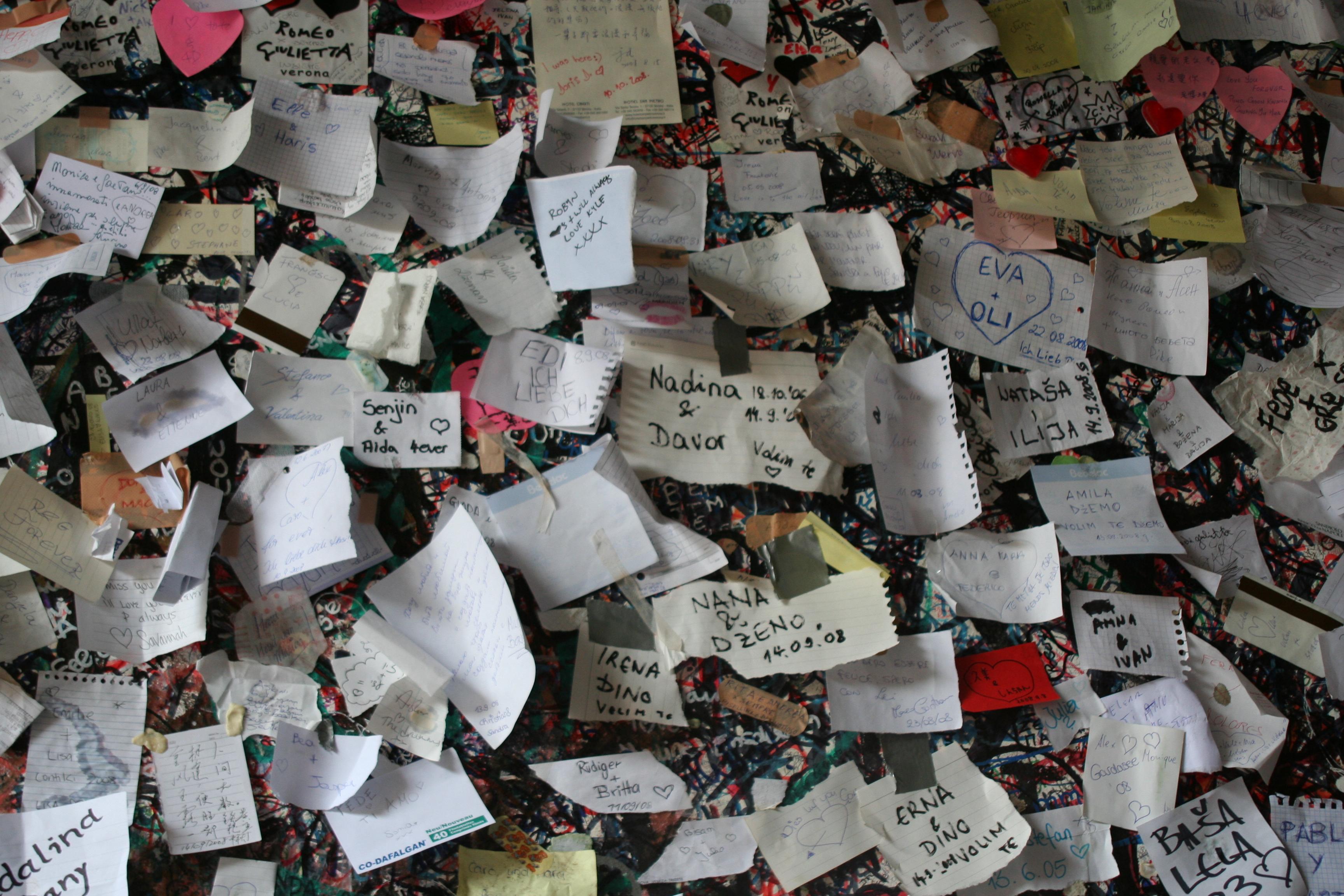 Lovers' notes,Verona,Italy-PSandsPhotos