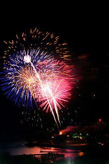 220px-Victoria_Day_fireworks_Toronto_2010